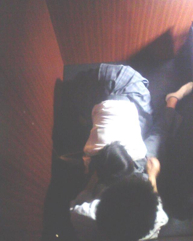 【監視カメラ画像】ネカフェの天井についてるカメラが捕らえた決定的なエロいと話題にwww