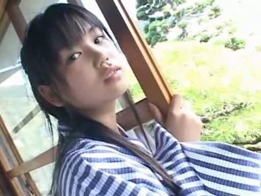 鮎川穂乃果(19)と高校卒業祝いで温泉旅行?若い女の子の浴衣を脱がせて、一緒にお風呂っておっさんの夢だ!