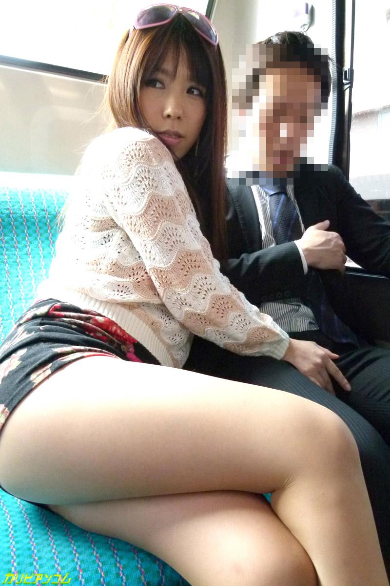 痴漢路線バス 噂の潮吹き痴漢痴女 来栖千夏