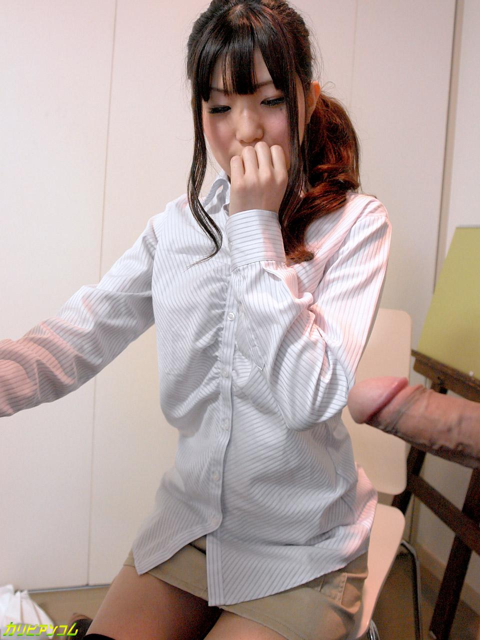 絵画教室の生徒に勃起したチンポを魅せつけたら… 紗彩さくら