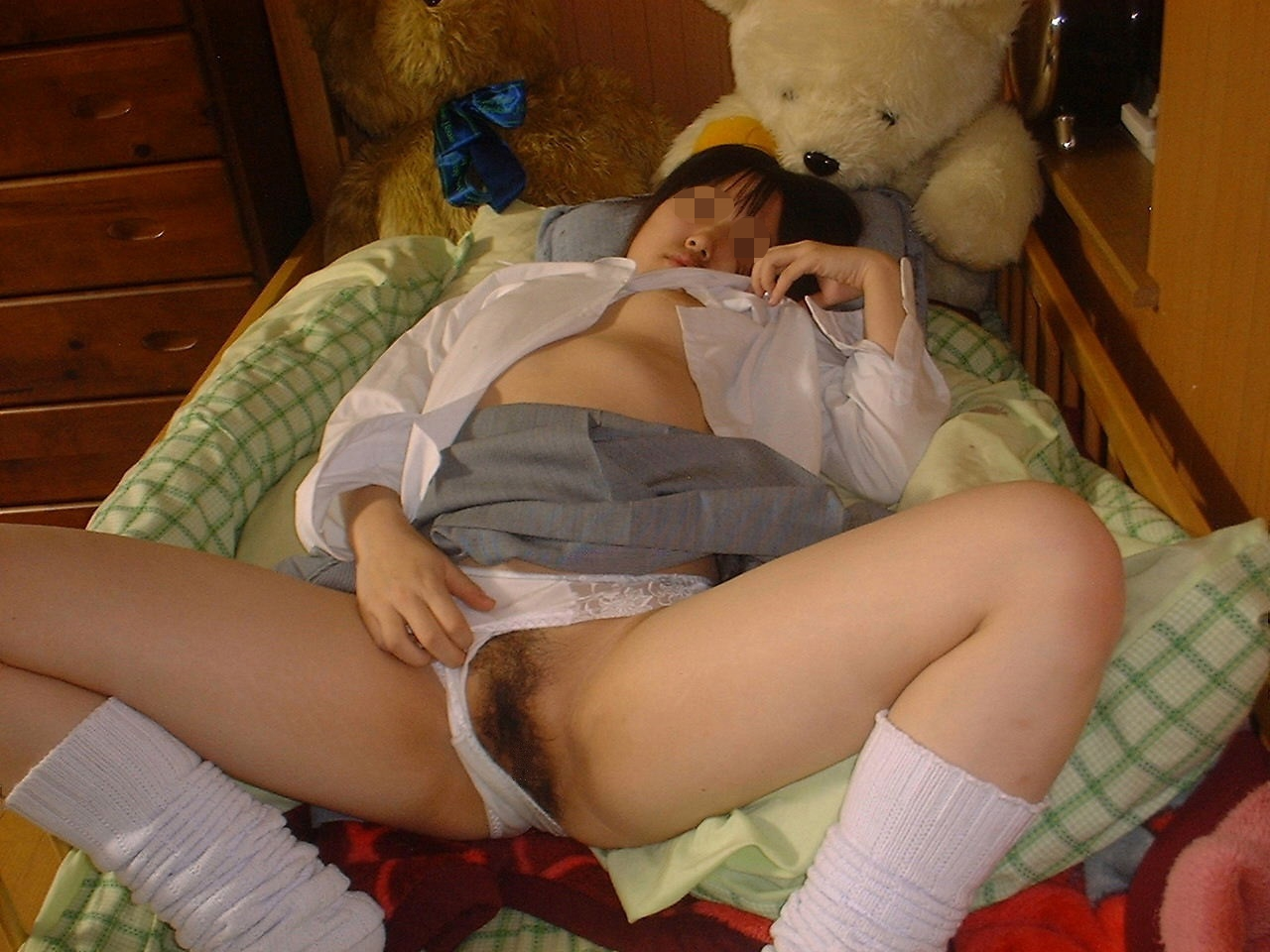Girl squirts with vibrator-7449
